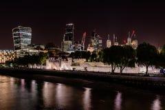 Città di Londra alla notte Fotografia Stock Libera da Diritti