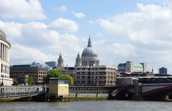 Città di Londra e della cattedrale di St Paul s Immagine Stock Libera da Diritti