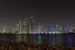 Città di media del Dubai veduta dal Palm Beach Immagine Stock