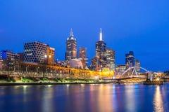 Città di Melbourne alla notte Immagini Stock Libere da Diritti