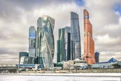 Città di Mosca Paesaggio urbano del centro di affari di Mosca il giorno di inverno Immagini Stock Libere da Diritti