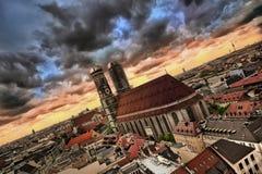 Città di Munchen nella tempesta Immagine Stock