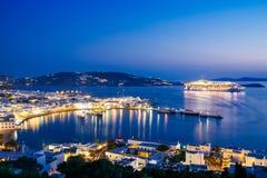 Città di Mykonos al tramonto Immagine Stock