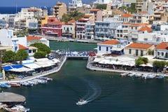 Città di Nikolaos di aggi all'isola del Crete, Grecia Fotografia Stock Libera da Diritti