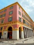 Città di Nizza - architettura delle costruzioni sul posto Massena Immagini Stock
