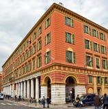 Città di Nizza - architettura delle costruzioni sul posto Massena Immagine Stock