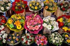 Città di Nizza - fiori sul mercato di strada Fotografia Stock Libera da Diritti