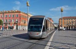Città di Nizza - tram moderno sul posto Massena Immagine Stock Libera da Diritti