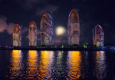 Città di notte - Sanya, Hainan Fotografia Stock Libera da Diritti
