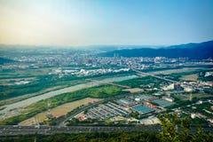 Città di paesaggio urbano di panoramica e mountation, fucilazione della foto dal fotografie stock libere da diritti
