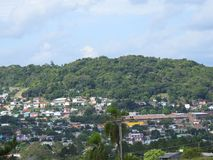 Città di Parobé: case sulla montagna Immagini Stock