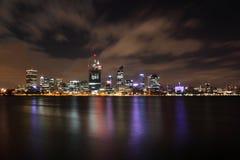 Città di Perth alla notte Fotografia Stock