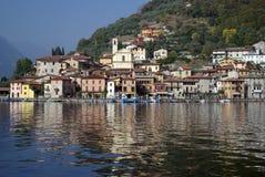 Città di Peschiera, lago Iseo, Italia immagini stock libere da diritti