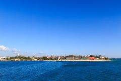 Città di pietra Zanzibar veduta dall'acqua Immagini Stock Libere da Diritti