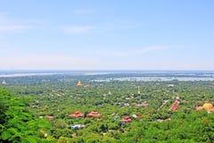Città di Sagaing e fiume di Irrawaddy, Sagaing, Myanmar immagine stock