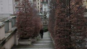 Città di sera di Karlovy Vary stock footage