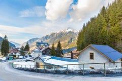 Città di stazione sciistica cattivo Gastein in montagne nevose di inverno, Austria, terra Salisburgo Immagine Stock Libera da Diritti