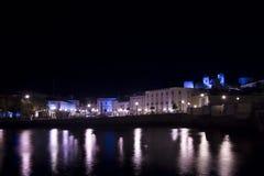 Città di Tavira di notte fotografie stock