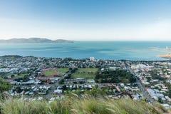 Città di Townsville da sopra sulla collina del castello Fotografia Stock Libera da Diritti