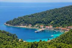 Città di Trstenik sulla penisola di Peljesac, Croazia Immagine Stock