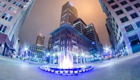 Città di Tulsa veduta alla notte Fotografia Stock