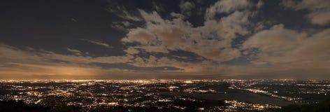 Città di Varese, landascape di notte Immagine Stock Libera da Diritti