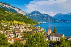 Città di Weggis nel lago Lucerna, Svizzera Fotografia Stock Libera da Diritti