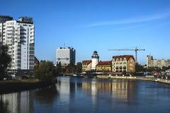 Città e fiume fotografie stock libere da diritti