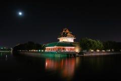 Città e luna severe Fotografia Stock Libera da Diritti