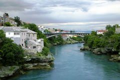 Città e ponte di Mostar Fotografie Stock Libere da Diritti
