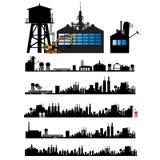 Città e vecchia siluetta della fabbrica Fotografia Stock