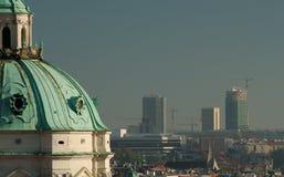 Città ed i sui contrasti Fotografia Stock