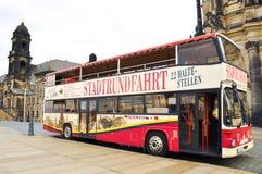 Città facente un giro turistico di Dresda in bus. Fotografia Stock Libera da Diritti