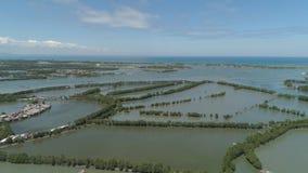 Città fra l'acqua in mangrovie Fotografia Stock