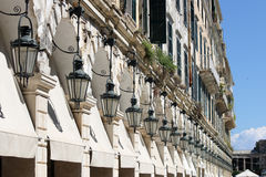 Città Grecia di Corfù del quadrato di Liston della lanterna fotografia stock libera da diritti