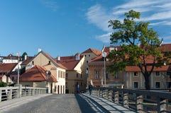 Città il giorno soleggiato, Cesky Krumlov, repubblica Ceca fotografia stock libera da diritti