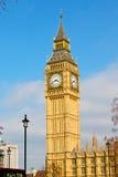 città invecchiata l'Inghilterra della costruzione di Big Ben di Londra vecchia Immagine Stock