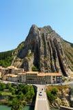 Città medievale affascinante di Sisteron nella provincia Alpes-de-Haute-p Fotografie Stock Libere da Diritti