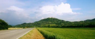 Città medievale Motovun su una cima di una collina, Croazia. Immagine Stock Libera da Diritti