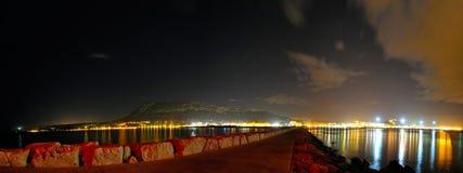 Città mediterranea entro la notte Fotografie Stock Libere da Diritti
