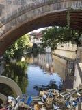 Città meravigliosa di paha da un canale Immagini Stock