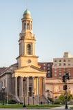 Città nazionale Christian Church davanti agli appartamenti Immagine Stock