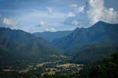 Città nel mountian, provincia di Mae Hong Son, a nord della Tailandia Fotografia Stock Libera da Diritti