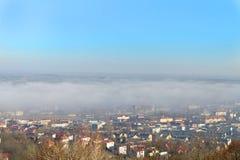 Città nella nebbia Immagini Stock Libere da Diritti