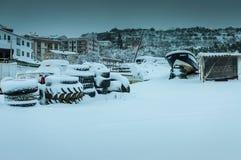 Città nella neve di inverno Immagini Stock Libere da Diritti