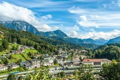 Città nelle alpi Fotografia Stock Libera da Diritti