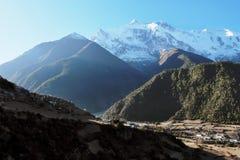Città nepalese Pisang dell'alta montagna Fotografia Stock Libera da Diritti
