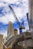 Città NY di Crane Skyscrapers Skyline New York della costruzione Immagini Stock