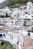 Città o pueblo occupata e compatta di Mijas in Spagna immagini stock libere da diritti