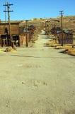 Città occidentale di estrazione mineraria del fantasma dell'oro degli S.U.A. di bodie Immagine Stock